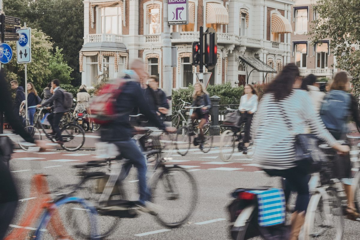 Cyklister i Amssterdam. Foto: Noralí Nayla